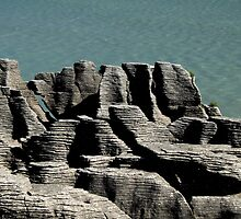 Pancake Rocks, Punakaiki, New Zealand by mosaicavenues