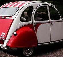 citroen 2cv by Ingrid Merrett