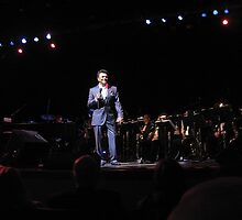 Johnny Mathis Performs in NYC  5/21/11 by Alberto  DeJesus
