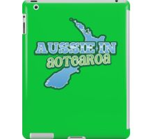 Aussie in AOTEAROA with NZ map iPad Case/Skin