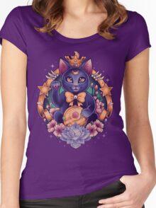 Maneki Luna Women's Fitted Scoop T-Shirt