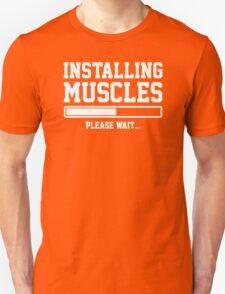 INSTALLING MUSCLES FUNNY PRINTED MENS TSHIRT GYM LIFT BRO WORKOUT NOVELTY SLOGAN T-Shirt