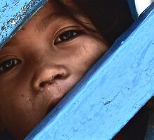 Cambodge - Regard d'enfant by Jean-Luc Rollier