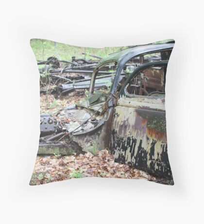 December Old Motor Car Throw Pillow