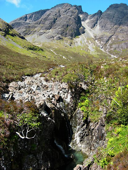 Looking towards Blà Bheinn, Isle of Skye by Andrew Briffett