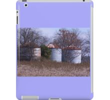 Country Silo Farm scene iPad Case/Skin
