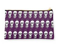 Skull On Chain Studio Pouch