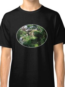 Beauty is everywhere Classic T-Shirt