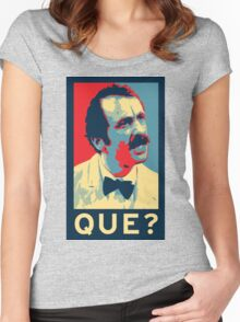 QUE? Women's Fitted Scoop T-Shirt