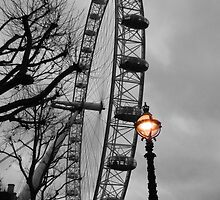 London Eye and street lamps by Jasna