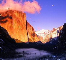 MOONRISE AT SUNSET,YOSEMITE VALLEY by Chuck Wickham