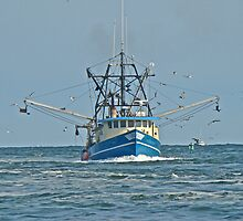 Trawler in Barnegat Inlet - NJ by MotherNature