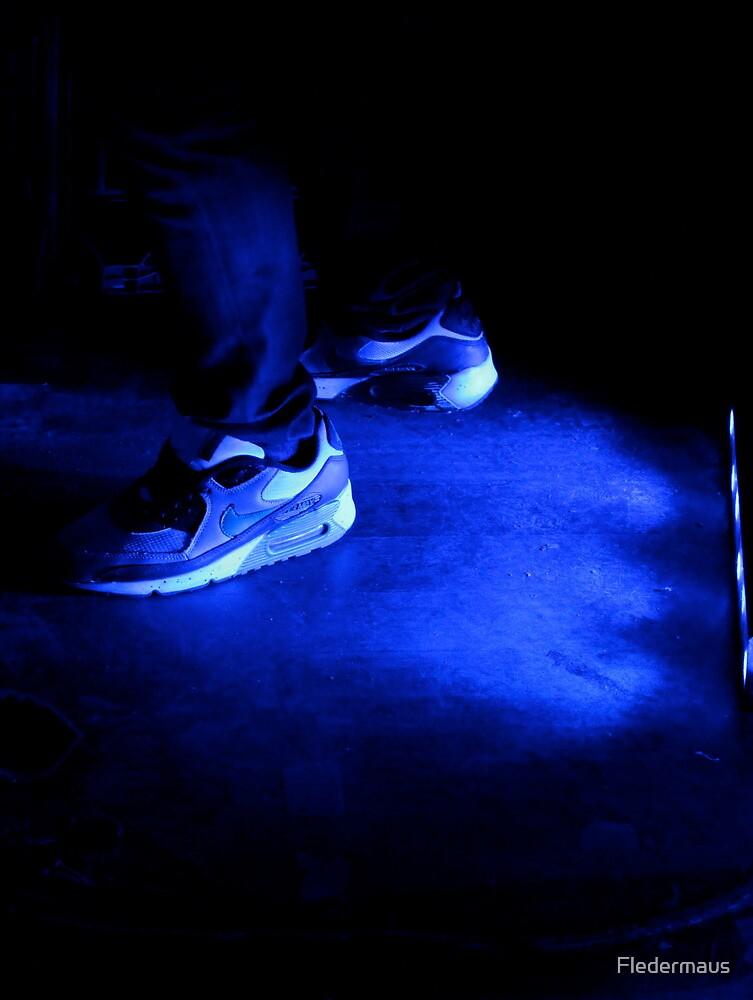 Nike in blue  by Fledermaus