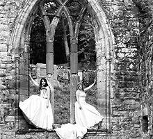 Beautiful Brides by Lynne Morris