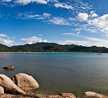 Horseshoe Bay Magnetic Island by David  Piko