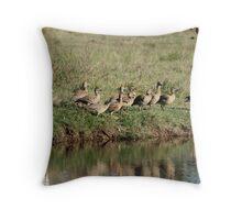 Birds of a feather ? Throw Pillow