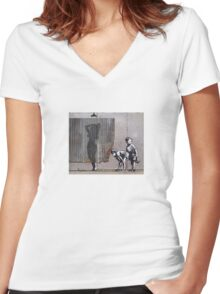 Peep show Women's Fitted V-Neck T-Shirt