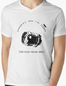 Nikkor 105mm Black Old love never dies! Mens V-Neck T-Shirt