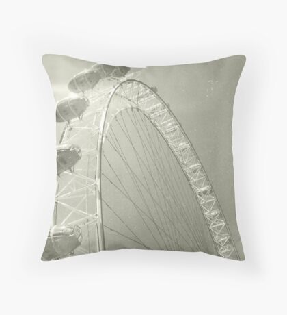 Eye III Throw Pillow