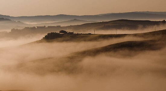 Tuscany at morning by Antonio Zarli