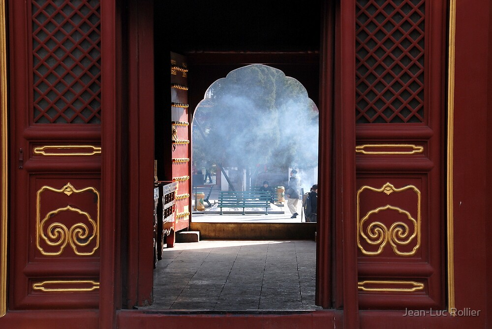 Beijing - Chinese door by Jean-Luc Rollier