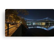 Manhattan in motion - Astoria park Canvas Print