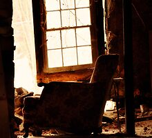 Abandoned Armchair by vanessa118377