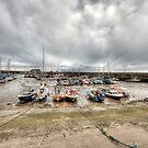 Bridlington Harbour  by Gouzelka