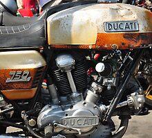 Ducati 750 roundcase. If it ain't broke... by resin8n