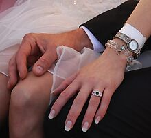 Hands by AylaM