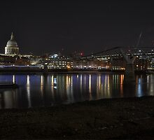 London by Night by Tom Shearsmith