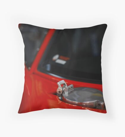 GT40 Throw Pillow