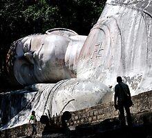 Tuong Phat Nam (white reclining Buddha), Vietnam by Sheldon Levis