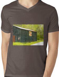 Kentucky Barn Quilt - July Summer Sky Mens V-Neck T-Shirt