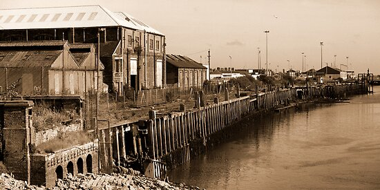 Newhaven East Quay by mikebov