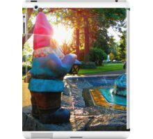 Shinging Fountain Gnome iPad Case/Skin