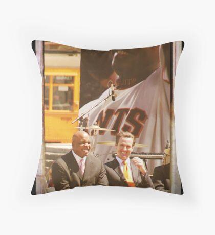 1-Barry Bonds SF Celebration 8/24/2007 Throw Pillow