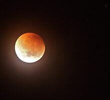 Lunar Eclipse 16/06/11 by LJ_©BlaKbird Photography