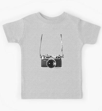 Vintage 35mm Rangefinder Camera Yashica Electro 35 GSN Kids Tee