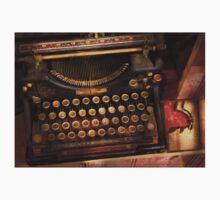 Steampunk - Just an ordinary typewriter  Kids Tee