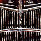 Ford Deluxe Up Close by barkeypf
