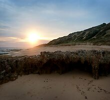Point Lonsdale at dusk by ShineArt