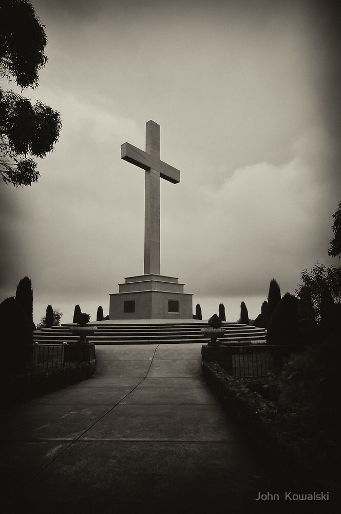 Mt.Macedon, WWI Memorial by John  Kowalski