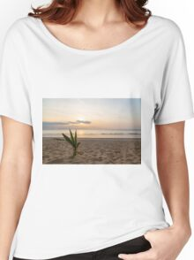 Palm and sunset on the sea Women's Relaxed Fit T-Shirt