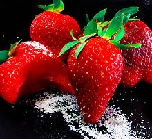 Strawberry cluster by BriGt