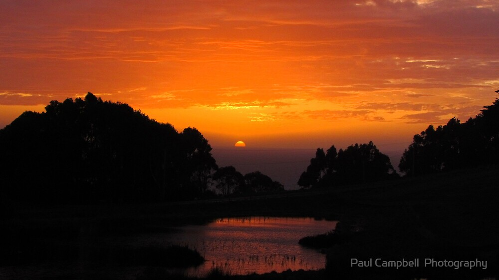 Sunrise at Table Cape 2 by Paul Campbell  Photography