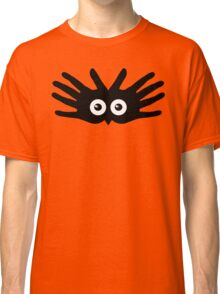 OWL IN HAND Classic T-Shirt