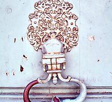 toc toc ! frappe à la porte by monk-alainalele
