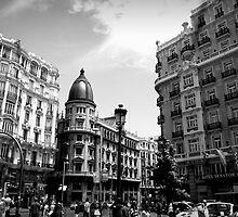 Summer on Gran Via by fefelix18