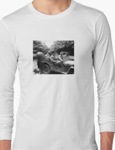 General Eisenhower In A Jeep -- WW2 Long Sleeve T-Shirt